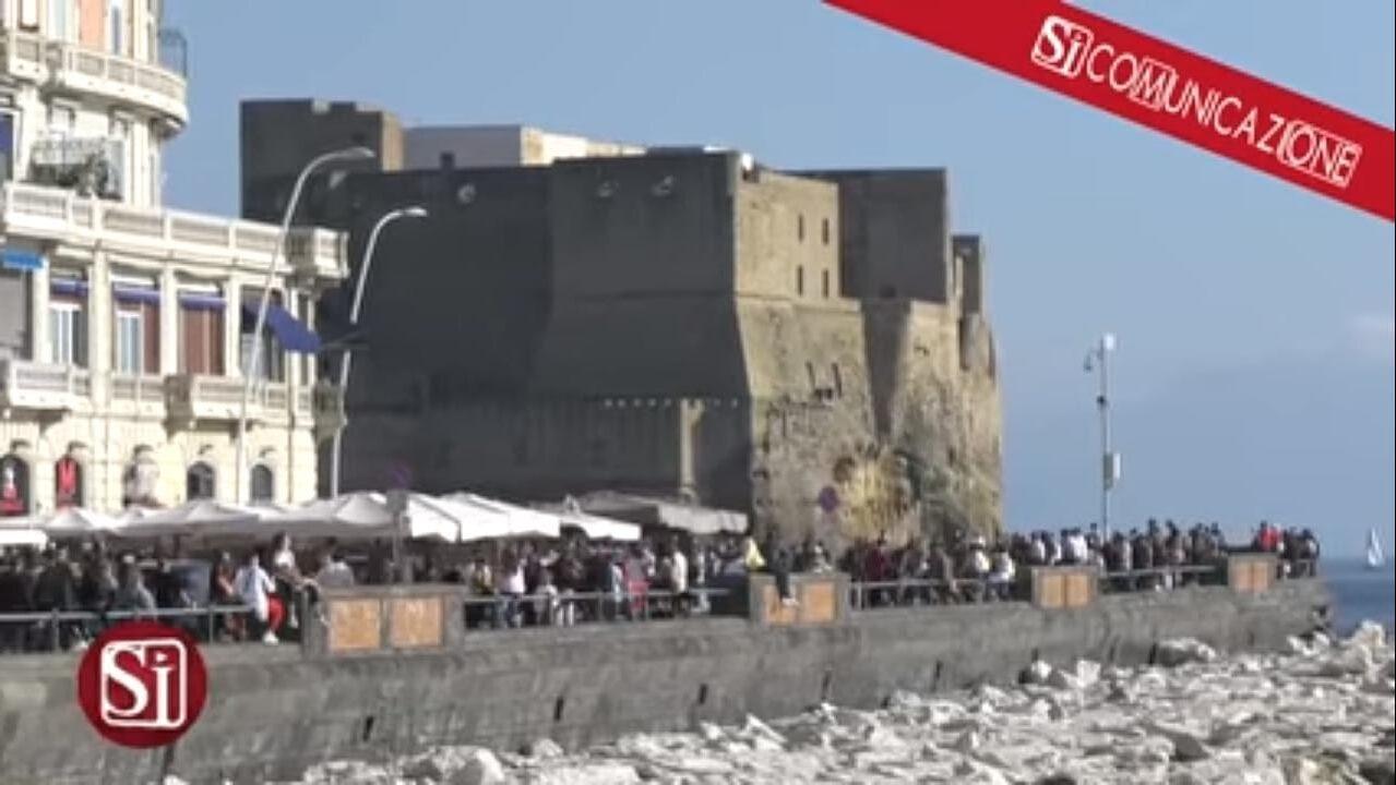Divieti per Pasqua. Il Comune di Napoli blocca l'accesso alle spiagge