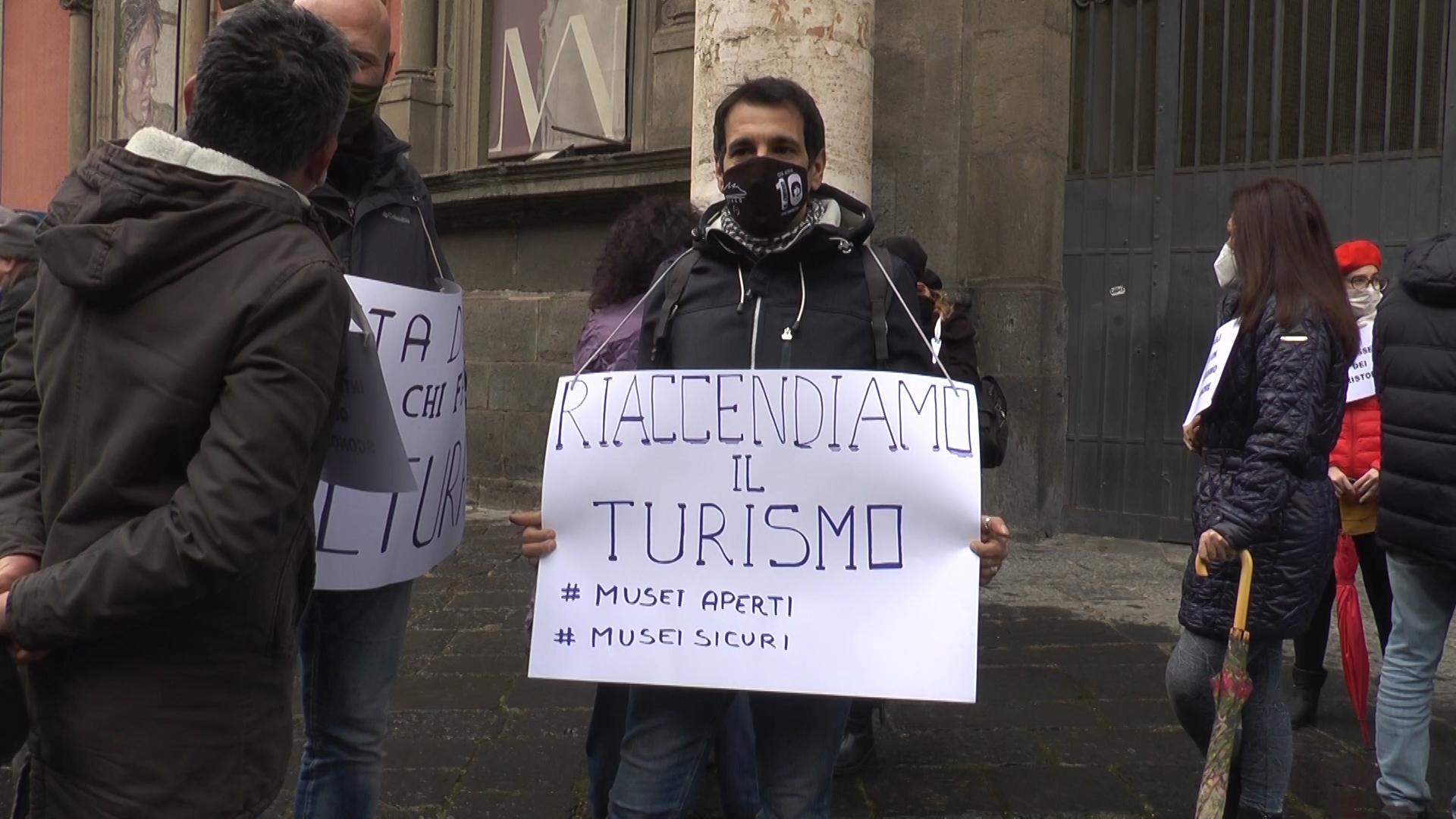 Covid: oggi a Napoli manifestazione guide turistiche