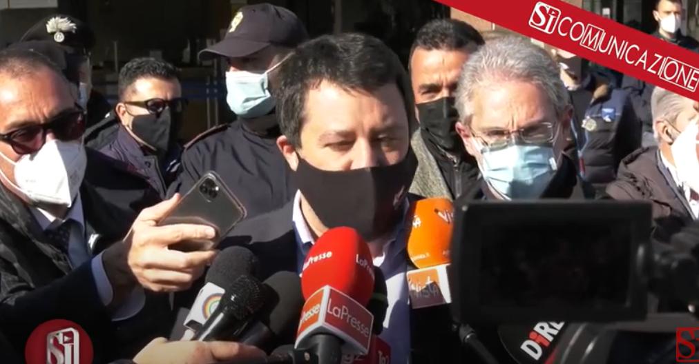 Salvini a Napoli per la causa in tribunale con i 99 Posse