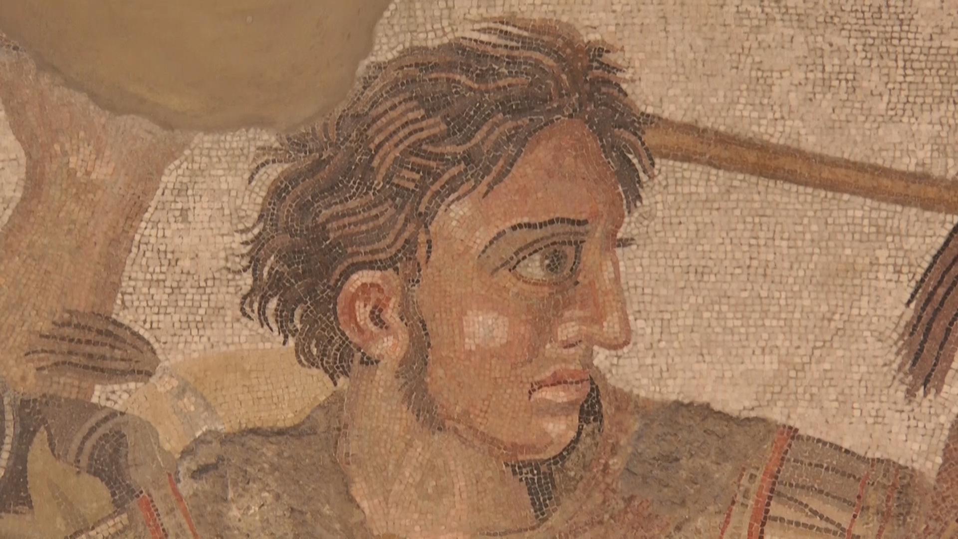 Al MANN di Napoli è partito il restauro del celebre mosaico dedicato alla battaglia di Isso