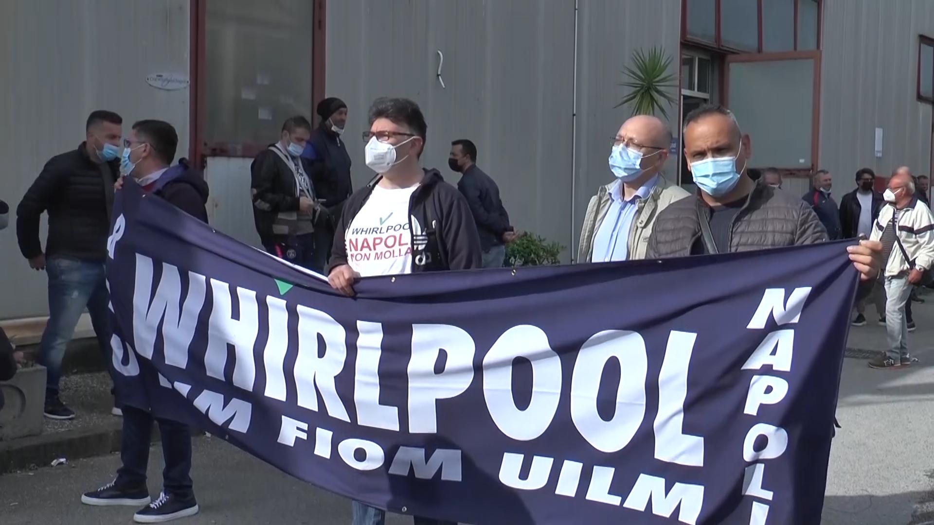 Operai Whirlpool in protesta mobilitazione in atto