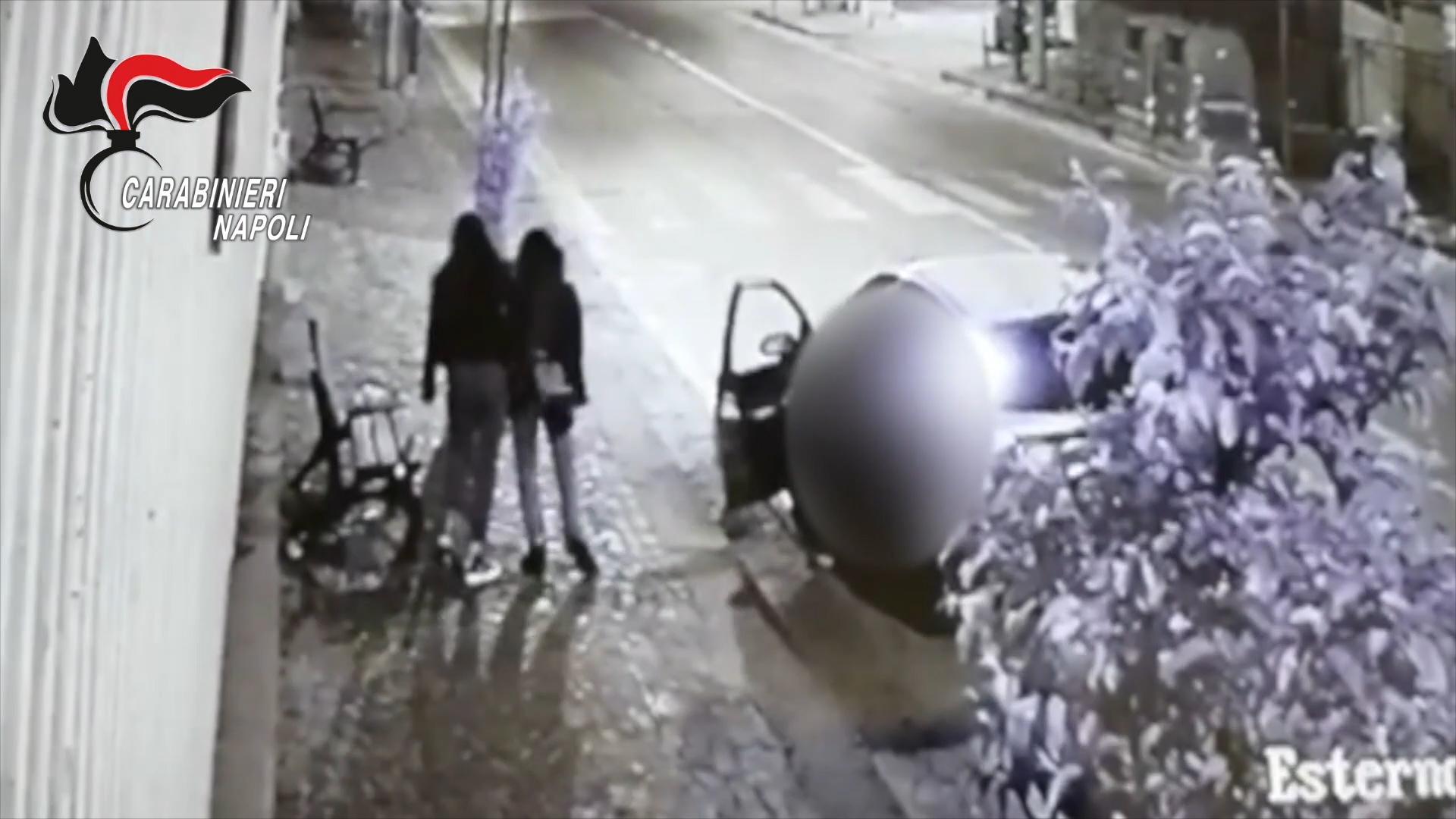 Rapina due ragazzine ai Colli Aminei, arrestato in poche ore
